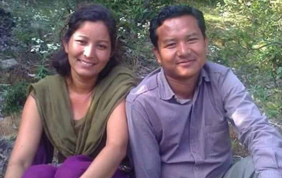 बिद्रोही ने.क.पा.का नेता ओमप्रकाश पुन र उनकी धर्मपत्नी पुर्णिमा धामी
